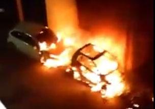 4 auto distrutte in un raid nel cuore di Donada, forse ripicca per la rissa in bar di fine gennaio